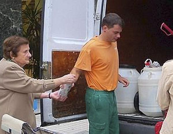 En 2010 Se Reciclaron 885 Litros De Aceite Doméstico Usado En Los Corrales De Buelna