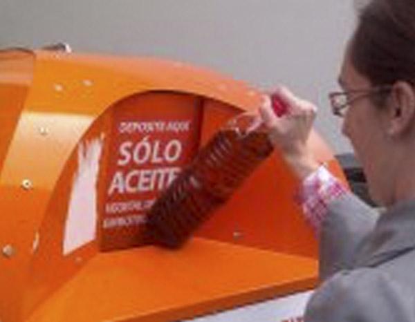 El Comercio De Los Corrales Se Une Al Programa De Reciclaje